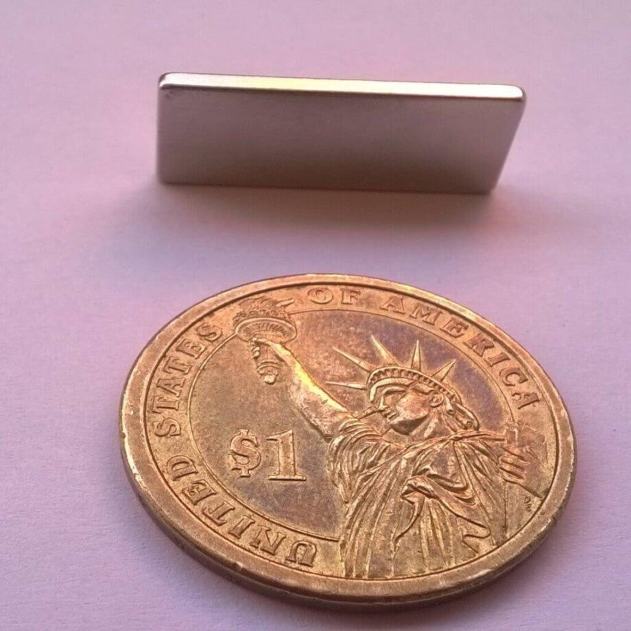 20 x 10 x 2mm neodymium magnet