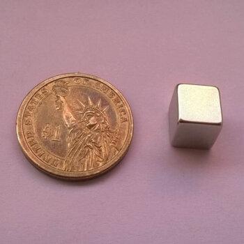 10 x 10 x 10mm Neodymium Magnet